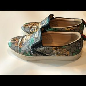 Gucci men's slip on shoes size 9 US